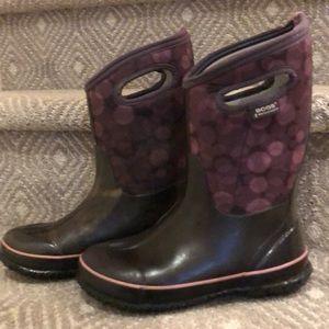 Bogs girls size US 6 purple dot